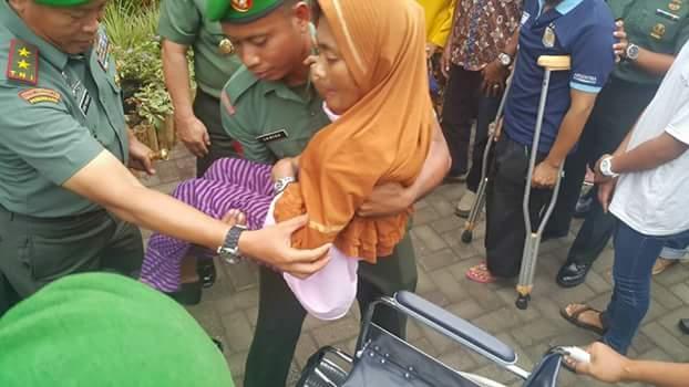 Bakti Sosial Kesehatan TNI Tingkatkan Derajat Kesehatan Masyarakat Ternate