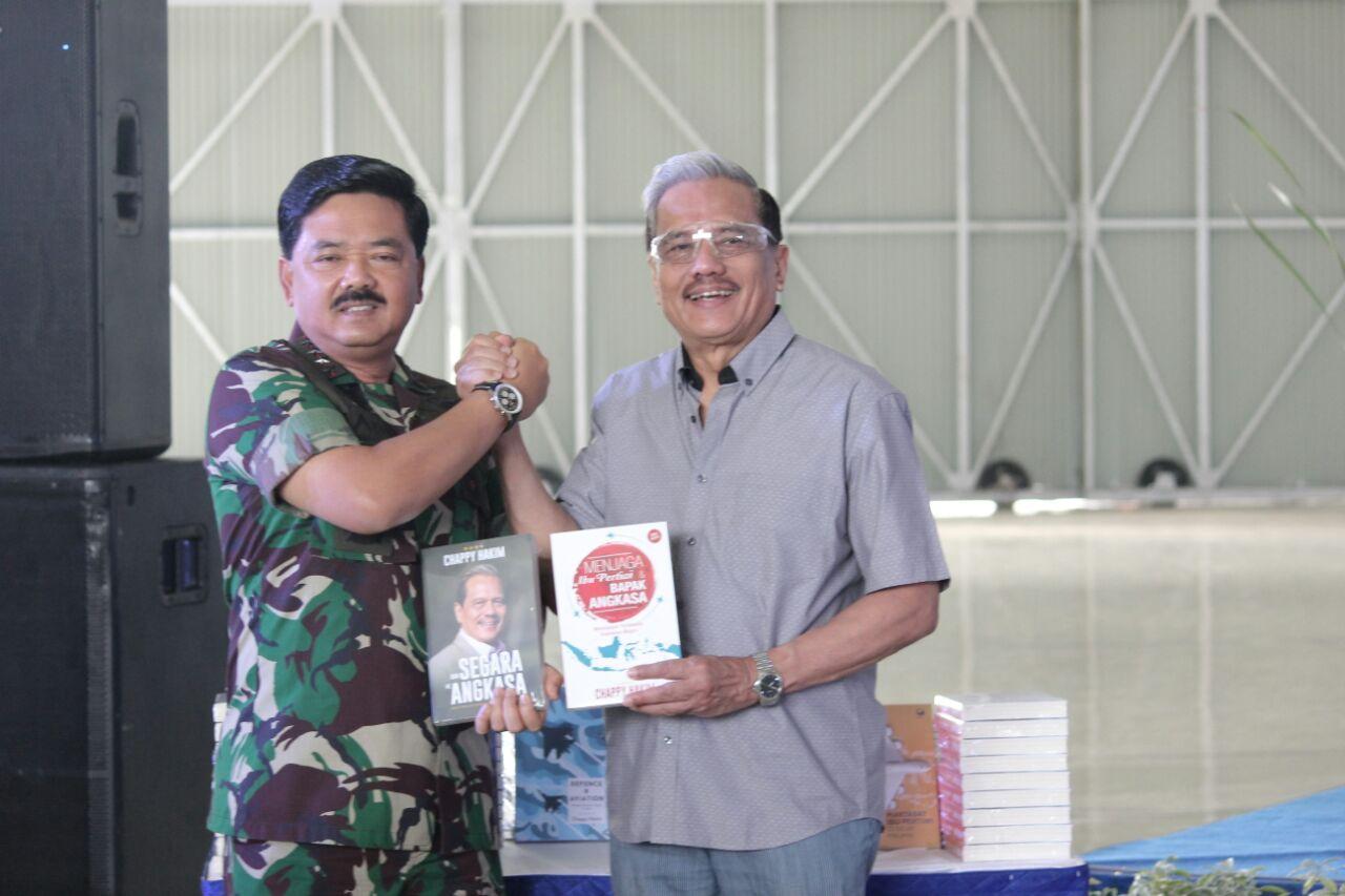 Panglima TNI Hadiri Peluncuran Buku Marsekal TNI (Purn) Chappy Hakim