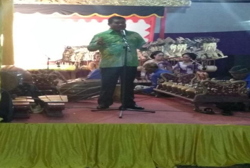 Ketua Dewan Penasehat Dpd Ii Golkar Bengkalis Hadiri Acara Wayang Kulit Di Duri