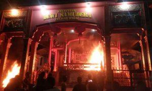 Vihara Dibakar Masa,Tanjung Balai Riau Mencekam