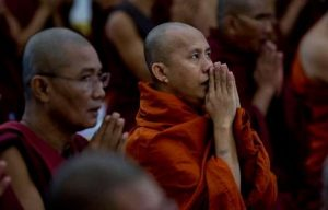 HABISI UMAT MUSLIM ROHINGNYA,MYANMAR DITIMPA BENCANA BESAR,MINTA ULURAN TANGGAN DUNIA
