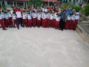 """"""" LIRA LUMBUNG INFORMASI RAKYAT INDONESIA ( BENGKALIS ) dan HMI ( HIMPUNAN MAHASISWA ISLAM ( CABANG KABUPATEN BENGKALIS ) Bersatu membagikan Masker Ke sekolah Dasar """""""